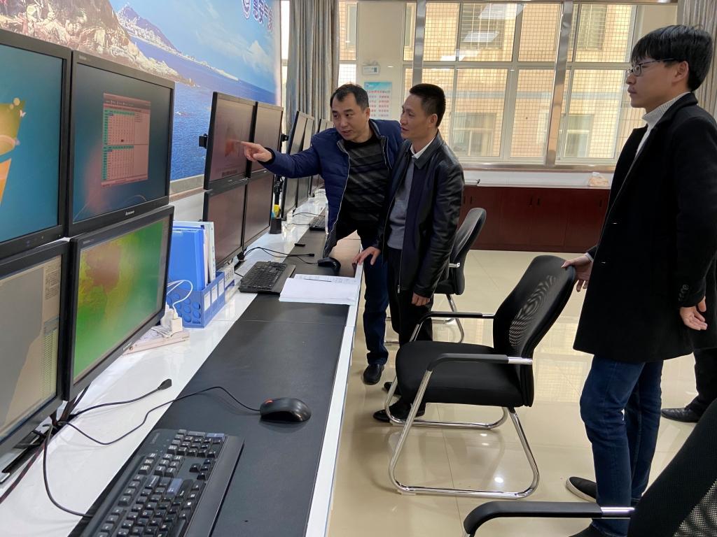 惠安:副县长到县气象局调研指导气象工作