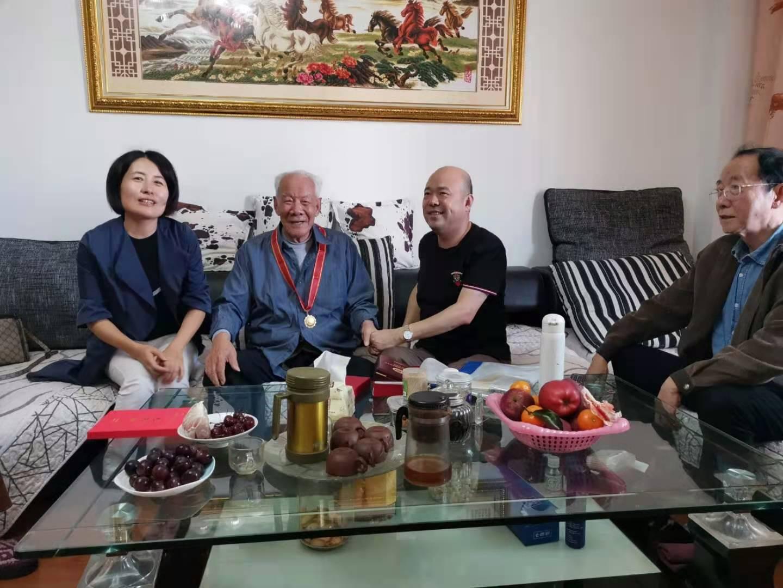 三明:省局老干办调研老干部工作和慰问永安局离休干部