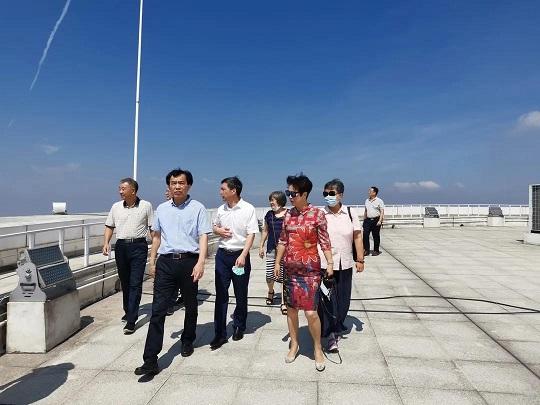厦门:市政协副主席陈永裕带队考察天语舟气象科技园